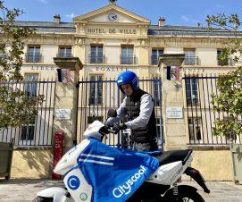 Des scooters électriques en libre-service à Sèvres
